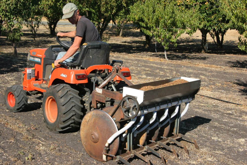 Home built no till seed drill farm hack for Gardening tools wikipedia